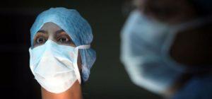 Enfermera asustada