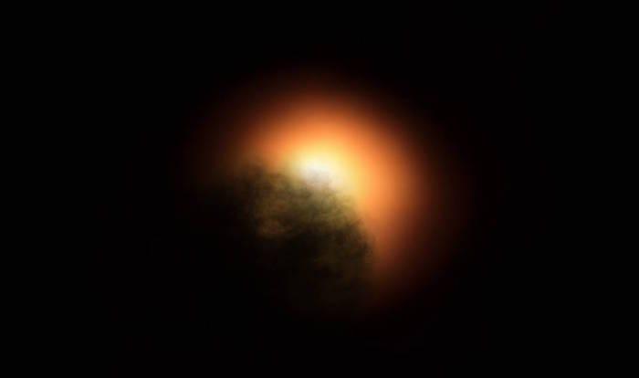 La nube de polvo oscureciendo Betelgeuse (impresión artística)